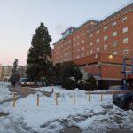 """Sanidad reconoce que el Hospital Virgen de la Salud está """"viejo"""" pero alerta: un traslado no programado """"comprometería"""" la salud de los pacientes"""