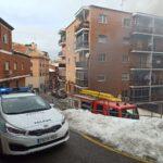 GALERÍA | Un incendio en un bloque de pisos en la calle Ferrocarril de Toledo obliga al desalojo