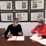 El Ayuntamiento de Madridejos firma un convenio de colaboración con AMADIS, que usará una sala en el antiguo instituto Valdehierro