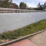 El Ayuntamiento limpia de pintadas la pasarela peatonal 'Santa María de Benquerencia' y pide responsabilidad ciudadana