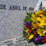 IU Toledo recuerda a los '16 de Menasalbas' en el 82 aniversario de su asesinato con una ofrenda floral