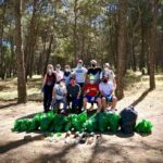 Piragüismo para limpiar las riberas del Tajo en Talavera junto a la escuela Talak y Paco Cubelos