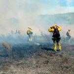 """Los bomberos forestales denuncian haberse convertido en los """"temporeros del fuego"""""""