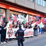 Personal de Caixabank se concentra en Toledo contra el ERE que plantea la entidad