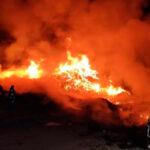 Estabilizado el incendio de un vertedero de basura y plásticos en Cobeja