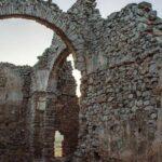 GALERÍA | Castillos, puentes o yacimientos: un recorrido por monumentos en riesgo de desaparecer en Castilla-La Mancha