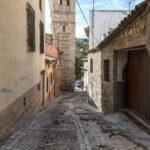 Cierre del tráfico en la Bajada de San Sebastián en Toledo para arreglar los daños provocados por la DANA