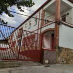 """El colegio rural de La Jara que reabrió con tres alumnos en 2015 y que cuenta ya con 25: """"Somos como una familia"""""""