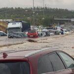 VÍDEOS | Calles inundadas, riadas, y coches flotando: los efectos de la tormenta en Toledo, Guadamur, Argés y Cobisa